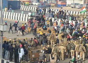 ट्रैक्टर रैली में जमकर मच रहा हुड़दंग