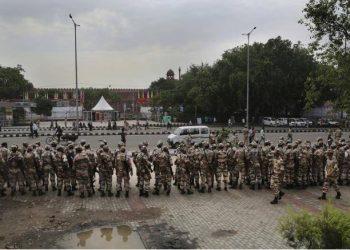 delhi-news-86-policemen-injured-in-tractor-parade-violence-seven-firs-registered