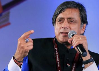 fir-filed-against-congress-mp-shashi-tharoor-and-6-journalists