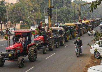 tractor-parade-will-be-seized-notice-sent