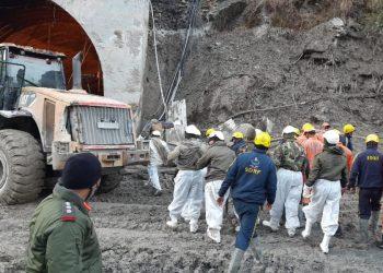 dehradun-city-rescue-team-is-removing-debris-from-the-tunnel-at-chamoli
